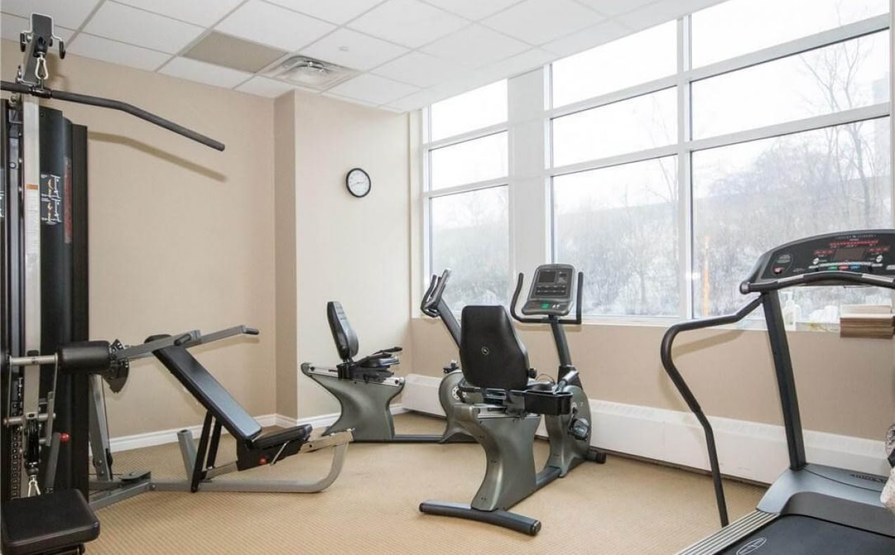 Gym at 100 Isabelle apartments included in the rent