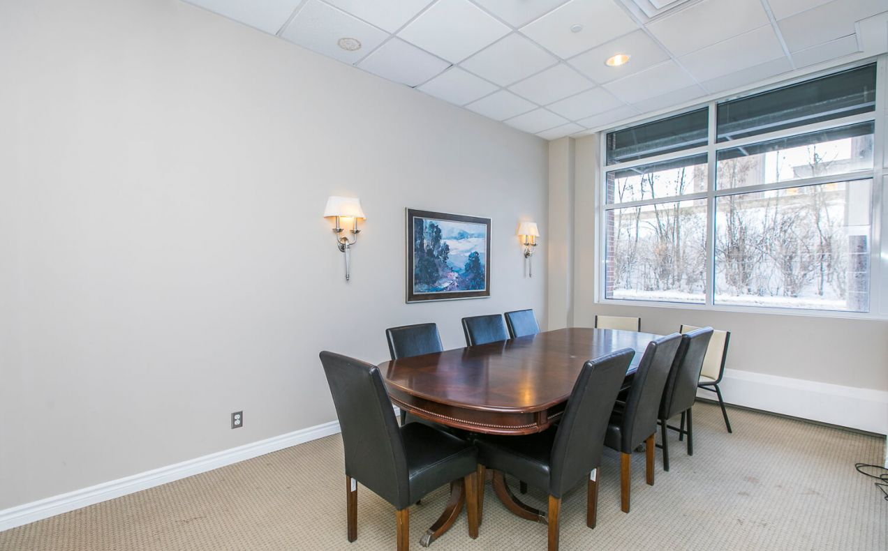 Boardroom at 100 Isabella apartments included in rent. Work from home