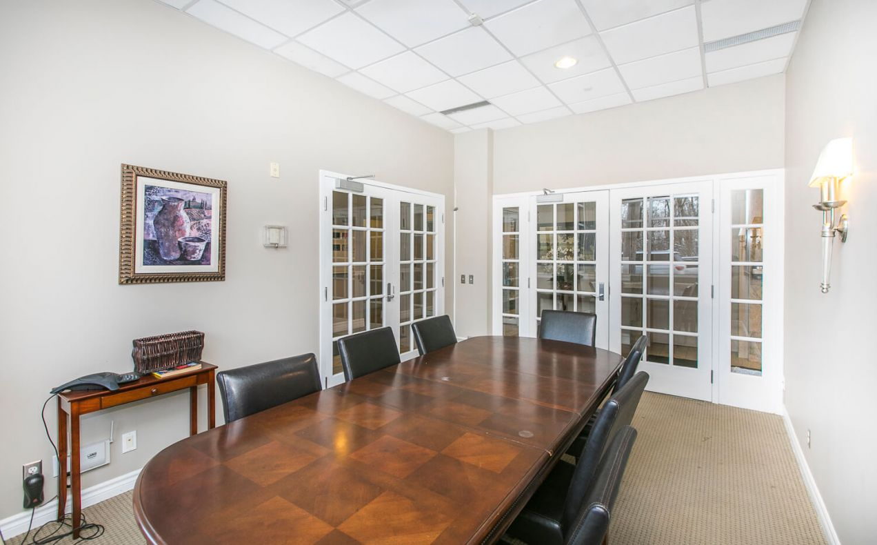 Board room in apartment available for meetings